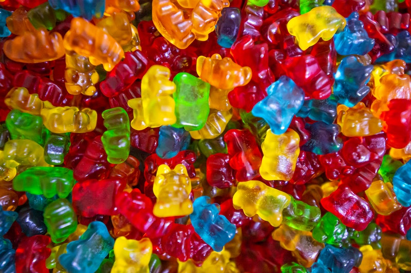 Canada's Largest THC-Infused Gummy Manufacturer Dynaleo Enters Into First International Letter of Intent