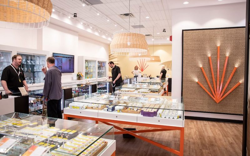 High Tide to Combine with Meta Growth, Creating the Largest Cannabis Retailer in Canada